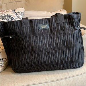 Final 🚨 Victoria secret bag.